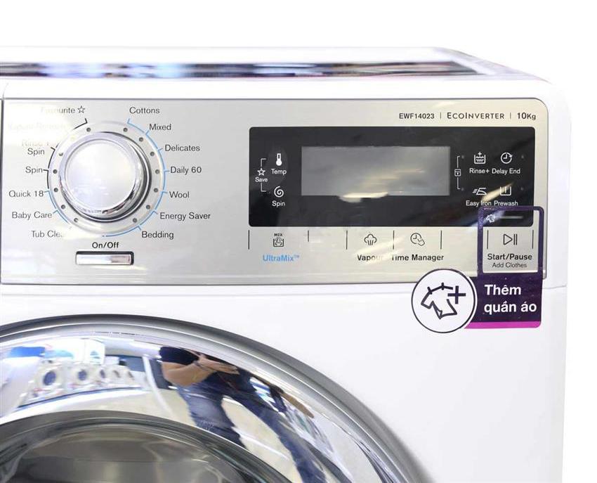Chương trình thêm quần áo của máy giặp Electrolux EWF14023S 10 KG