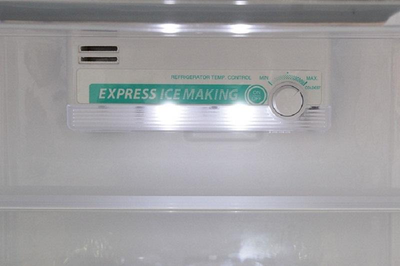 Hệ thống điều khiển dễ sử dụng với tủ lạnh SJ-172E