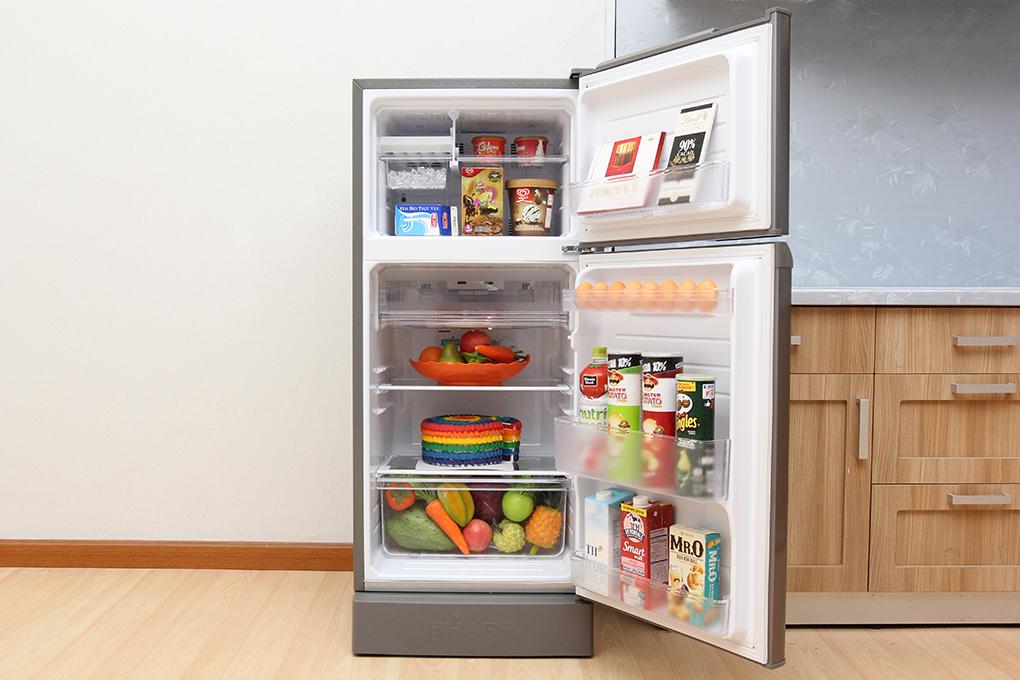 Nội thất tiện nghi dễ dàng sắp xếp thực phẩm bên trong tủ
