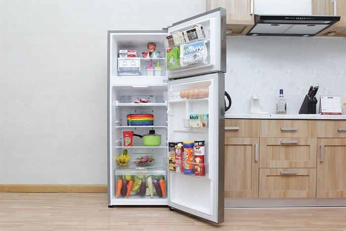 Khay kệ đa dạng, linh hoạt giúp người dùng dễ dàng sắp xếp thực phẩm