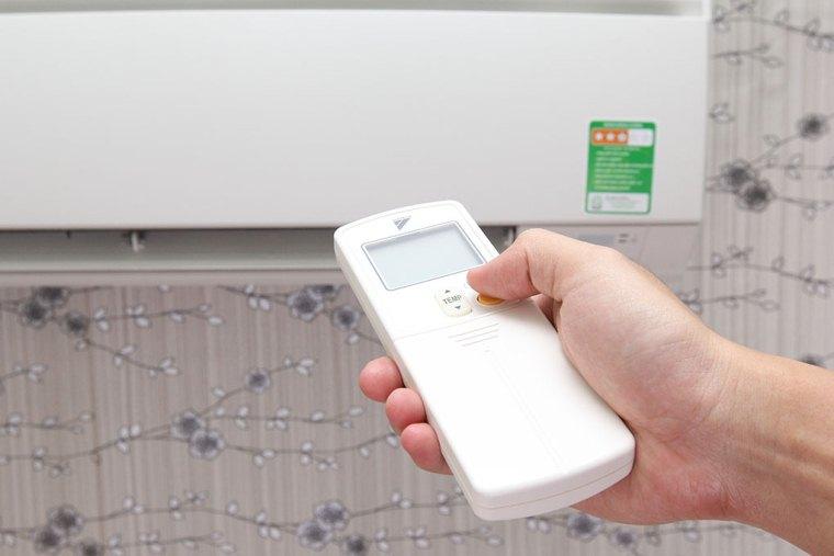 Không nên điều chỉnh nhiệt độ của điều hòa quá chênh lệch so với nhiệt độ môi trường