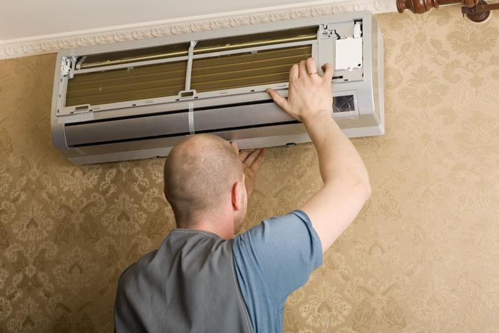 Việc vệ sinh chiếc điều hòa sẽ giúp cho chiếc máy hoạt động được ổn định