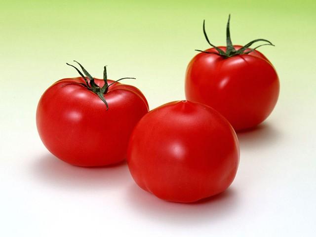 Cà chua có chứa ethylene làm cà rốt bị đắng, dưa chuột bị vàng…