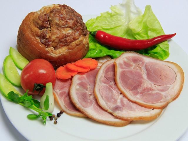 Chân giò sẽ đông cứng lại làm thịt bị kết cứng hoặc rời ra khi bảo quản trong tủ lạnh