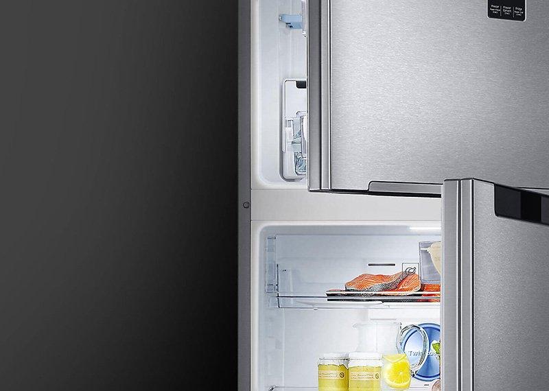 Tích hợp hệ thống đèn Led bên trong tủ lạnh Inverter Samsung RT32K5932S8/SV