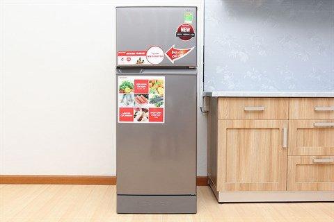 Tủ lạnh không đóng tuyết 2 của thiết kế hiện đại, tinh tế với Tủ lạnh Sharp SJ-18 VF4 180 lít