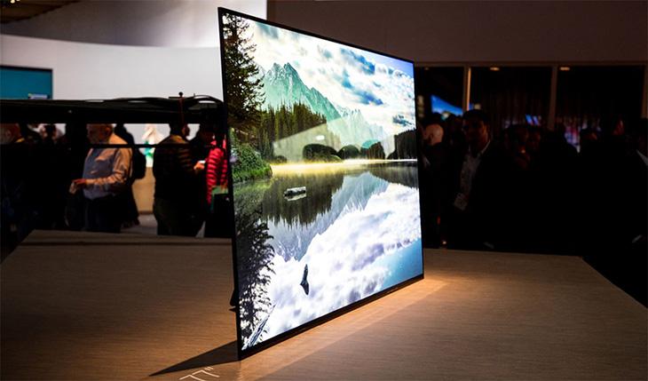 Công nghệ màn hình OLED giảm được tối đa các hiện tượng hình ảnh nhiễu, mờ..