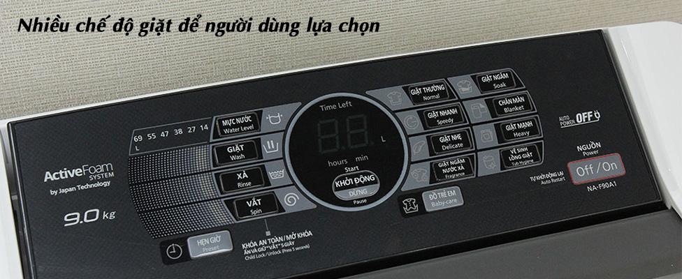 Bảng điều khiển của thiết bị của máy giặt cửa trên dưới 7 triệu
