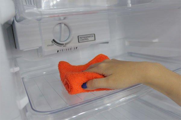 Tủ lạnh mới mua về nên vệ sinh trước khi sử dụng