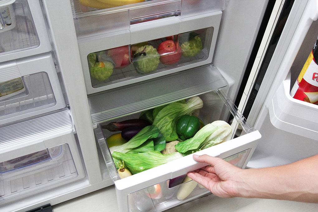 Với công nghệ làm lạnh và kháng khuẩn hiện đại nhất mà thực phẩm bảo quản trong tủ luôn tươi ngon