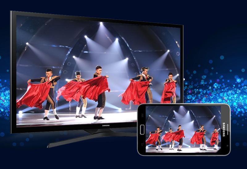 Chia sẻ hình ảnh trên điện thoại với tivi Samsung UA50J5200 với mạng không dây tiện lợi