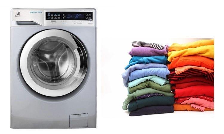 Cửa trước tiện lợi với máy giặt Electrolux 11 kg EWF14113S