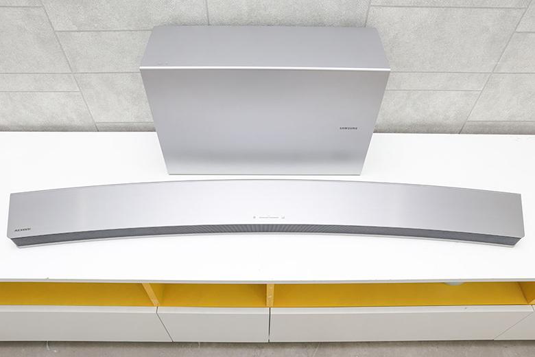 """Thiết kế cong – hoàn thiện """"Giải pháp cong toàn diện"""" của Samsung"""