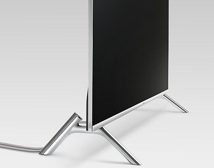 Chân đến làm bằng kim loại giúp tivi đứng vững trên mọi loại mặt phẳng