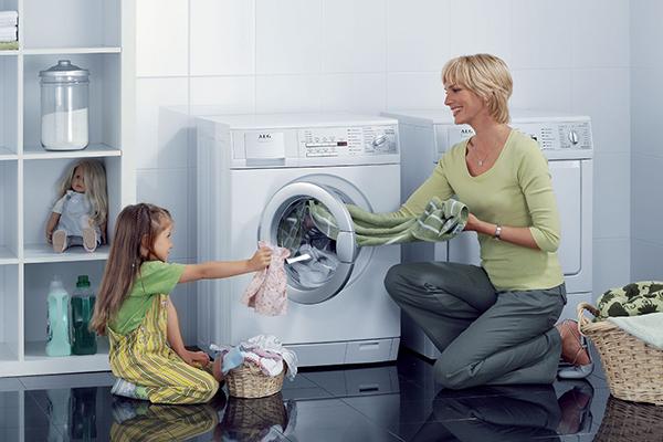 Cách vệ sinh máy giặt cửa trước hiệu quả nhất