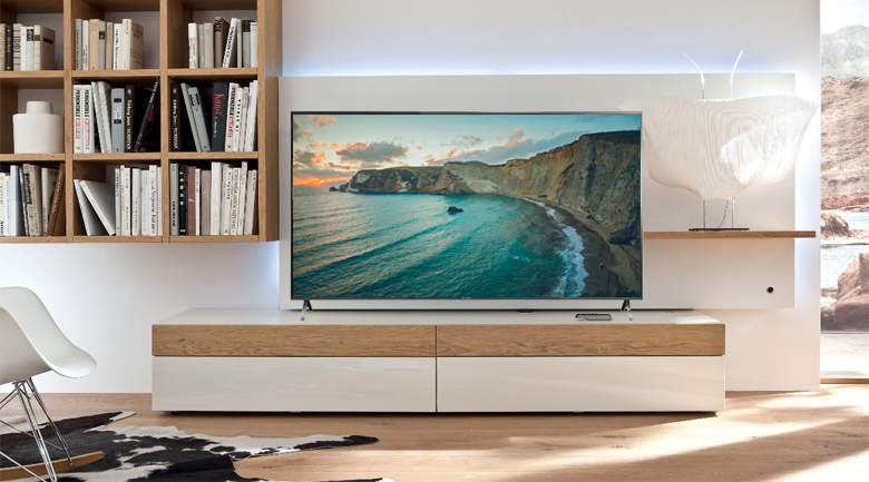 Smart Tivi Panasonic 4K 55 inch TH-55FX600V có kiểu dáng hiện đại, trang nhã